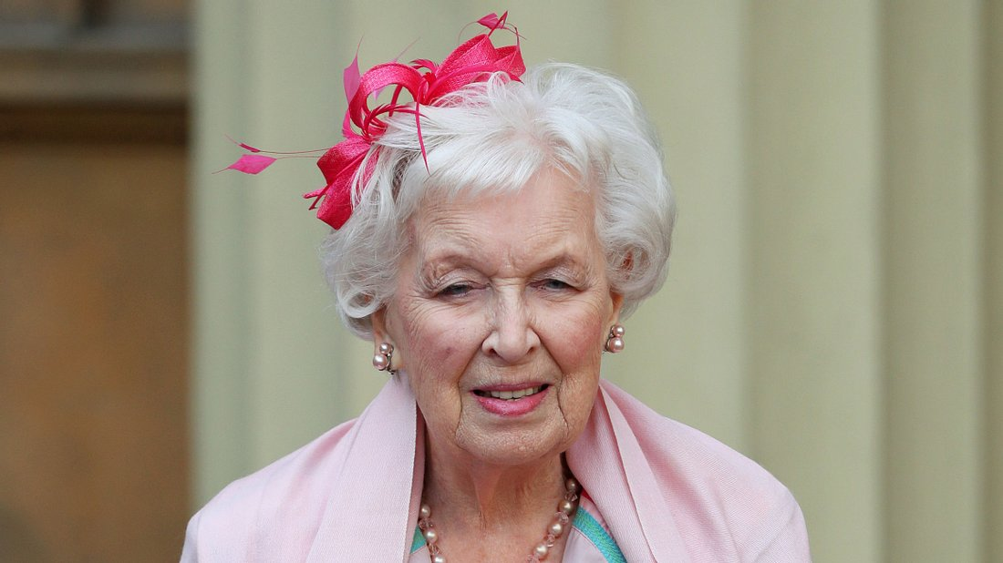 June Whitfield ist tot