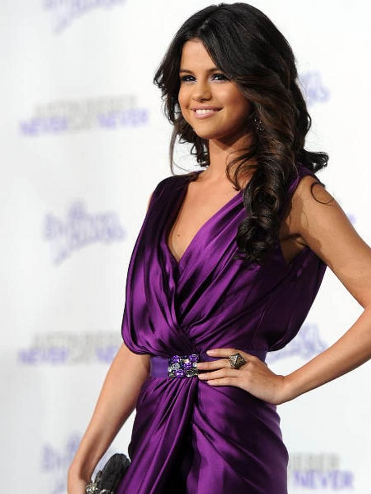 Justin Bieber - Seine schönsten Momente: Februar 2011,Bei der Premiere war auch seine heutige Freundin Selena Gomez. Damals war ihre Beziehung aber noch nicht offiziell, es kursierten allerdings schon Gerüchte.