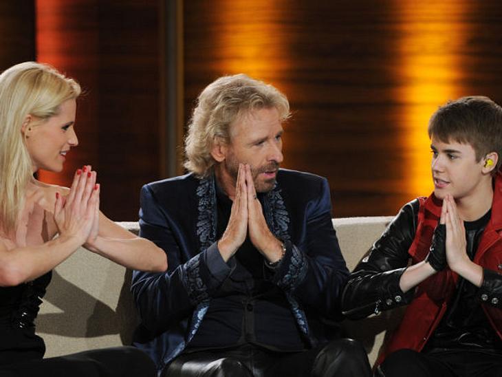 """Justin Bieber - Seine schönsten Momente: März 2011,Justin Bieber bei """"Wetten, dass...?"""" auf dem Sofa."""