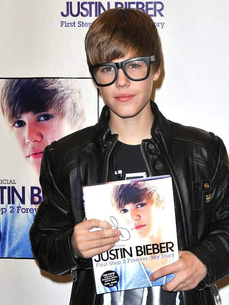 """""""Ich schreib dann mal ein Buch!"""" - Stars und ihre BestsellerPopzwerg  Justin Bieber hat schon mit 16 seine Biografie geschrieben, die hatte in dem Fall sogar mehr als zwei Seiten. Der Titel: """"First Step 2 Forever: My Story&qu"""