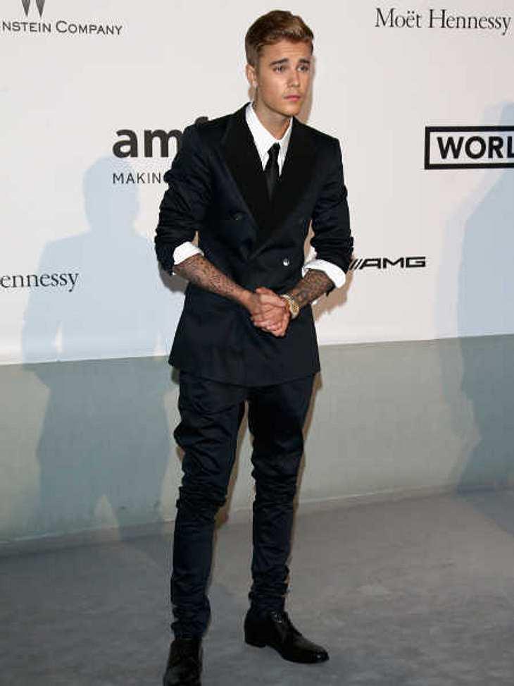 Justin Bieber ließ sich in einer Badewanne taufen
