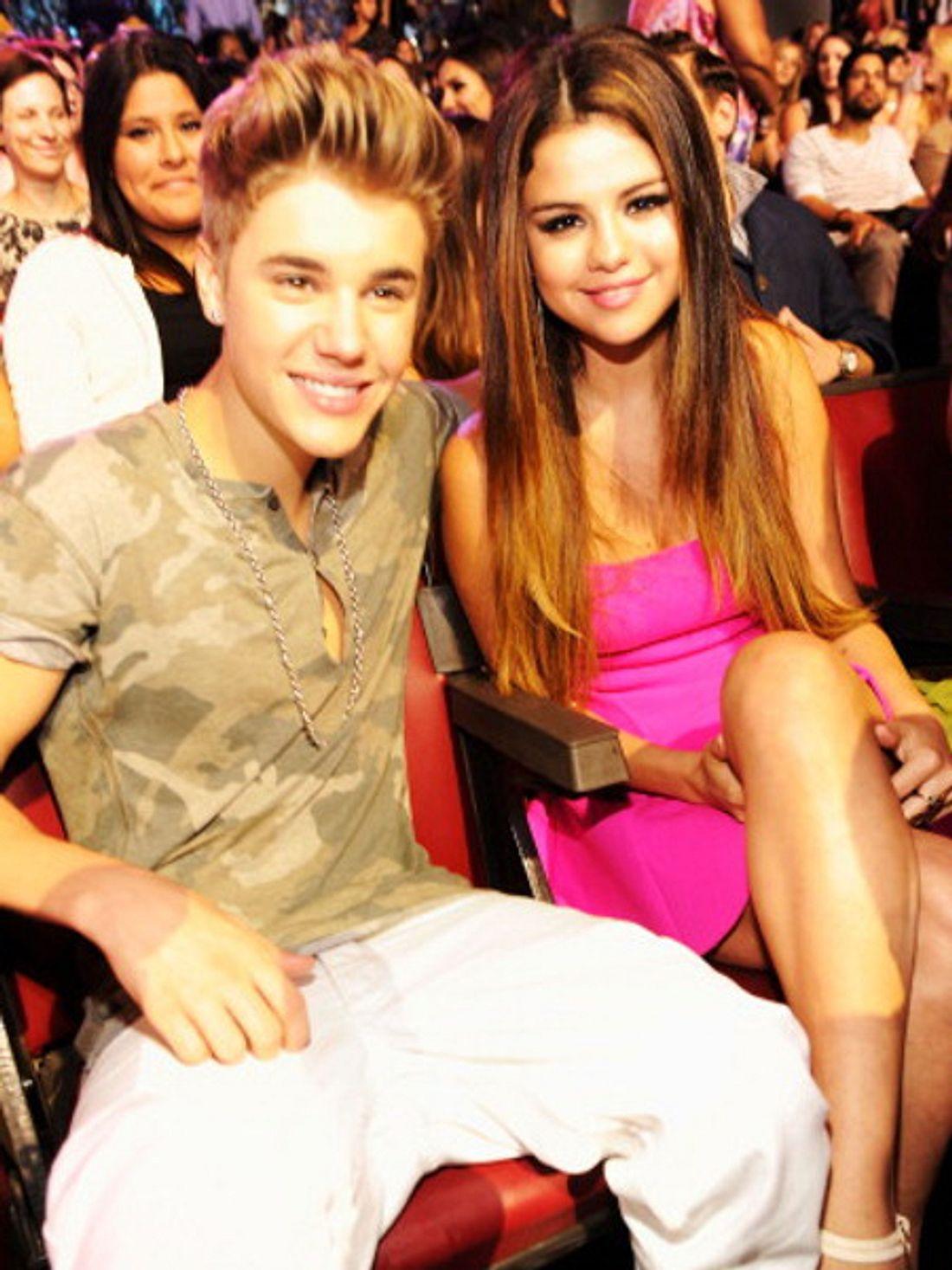 """Sitzen Justin Bieber und Selena Gomez bald zusammen bei """"American Idol""""?"""
