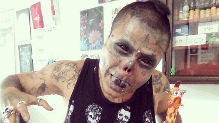 Bizarrer Totenkopf-Wunsch: Mann schneidet sich Nase und
