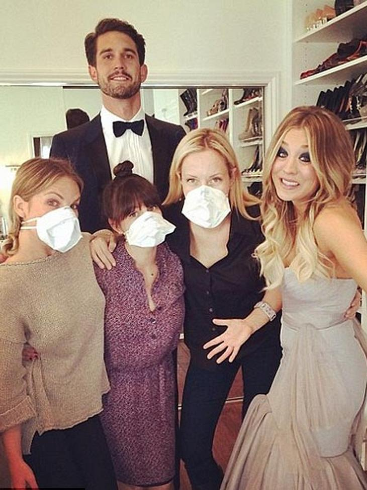 Kaley Cuoco und ihr Beauty-Team mit Mundschutz.