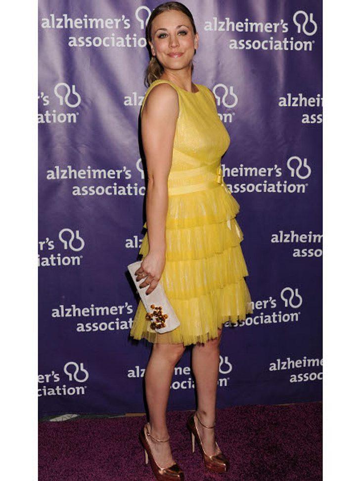 Kaley Cuoco - Die Taschen-FetischistinEin gelbes Kleid ist schwierig, wenn es um die Accessoires geht. Doch Kaley Cuoco kennt sich aus und entscheidet sich...