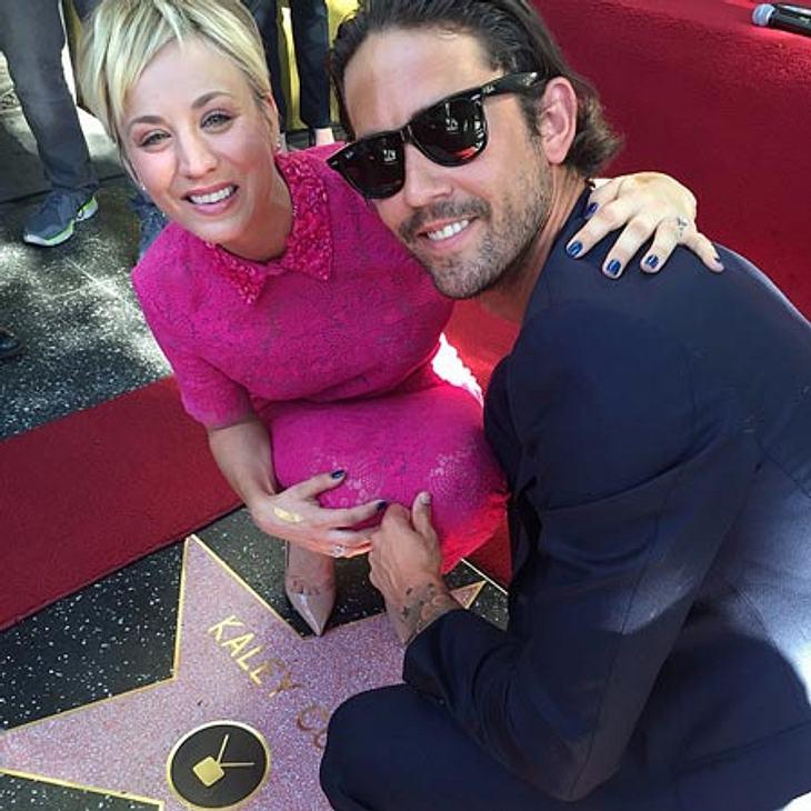 Kaley Cuoco vor ihrem Stern