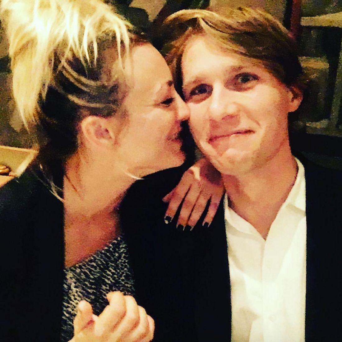 Frischverliebt: Kaley Cuoco postet Liebes-Selfie mit Karl Cook