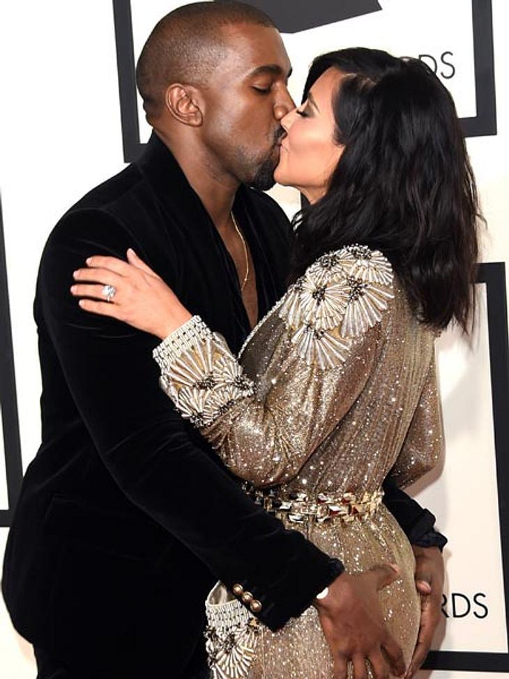 Er macht auf verliebt und sie zeigt mit ihrem Kuss, dass sie gerade wohl gar keine Lust auf Knutschen hat