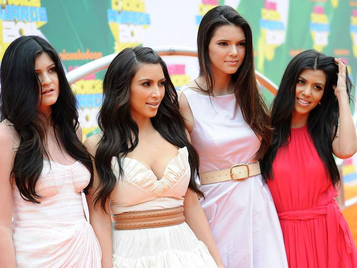 Kids Choice AwardsUnter den Gästen der Kids Choice Awards waren auch die Kardashian Schwestern: Kendall Jenner,  Kim Kardashian, Kylie Jenner und Kourtney Kardashian.