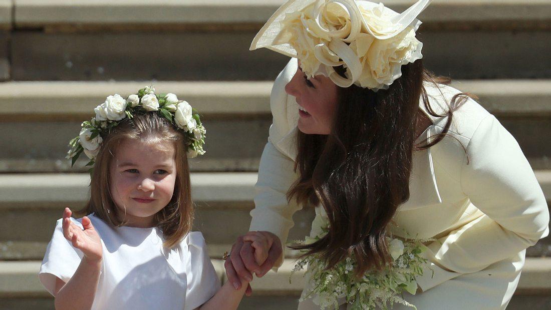 Prinzessin Charlotte: So teuer ist der Look von Herzogin Kates Tochter!