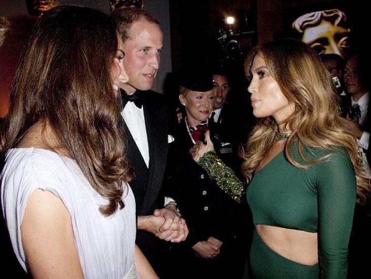 BAFTA Gala DinnerJennifer Lopez war ganz begeistert vom königlichen Paar. Ein Plausch musste da auf jeden Fall für sie drin sein.,Ihr seid Fan von JLo? Hier gibt es die schönsten Bilder!