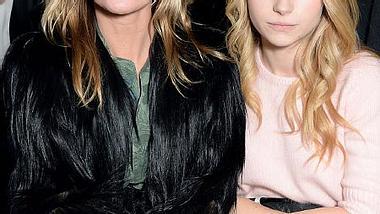 Lottie Moss kam mit Schwester Kate zur Modenschau von Topshop. Läuft sie Kate bald den Rang ab? - Foto: Getty Images