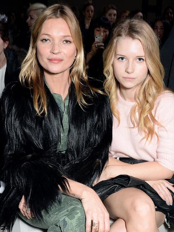 Lottie Moss kam mit Schwester Kate zur Modenschau von Topshop. Läuft sie Kate bald den Rang ab?