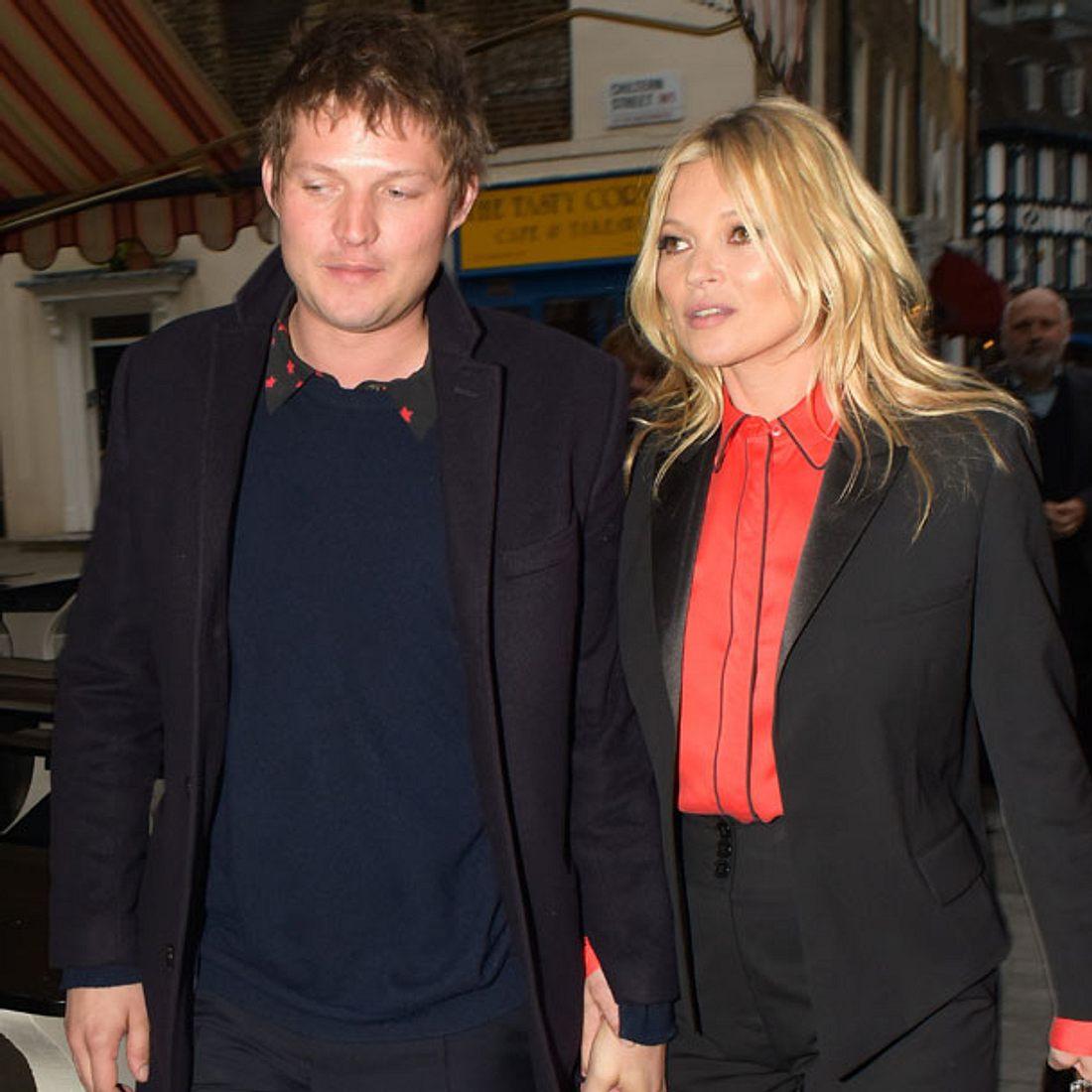 Kate Moss und Nikolai von Bismarck zeigen sich ganz verliebt