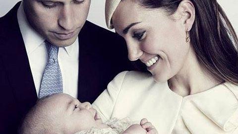 Herzogin Kate und Prinz William mit Baby George - Foto: Facebook