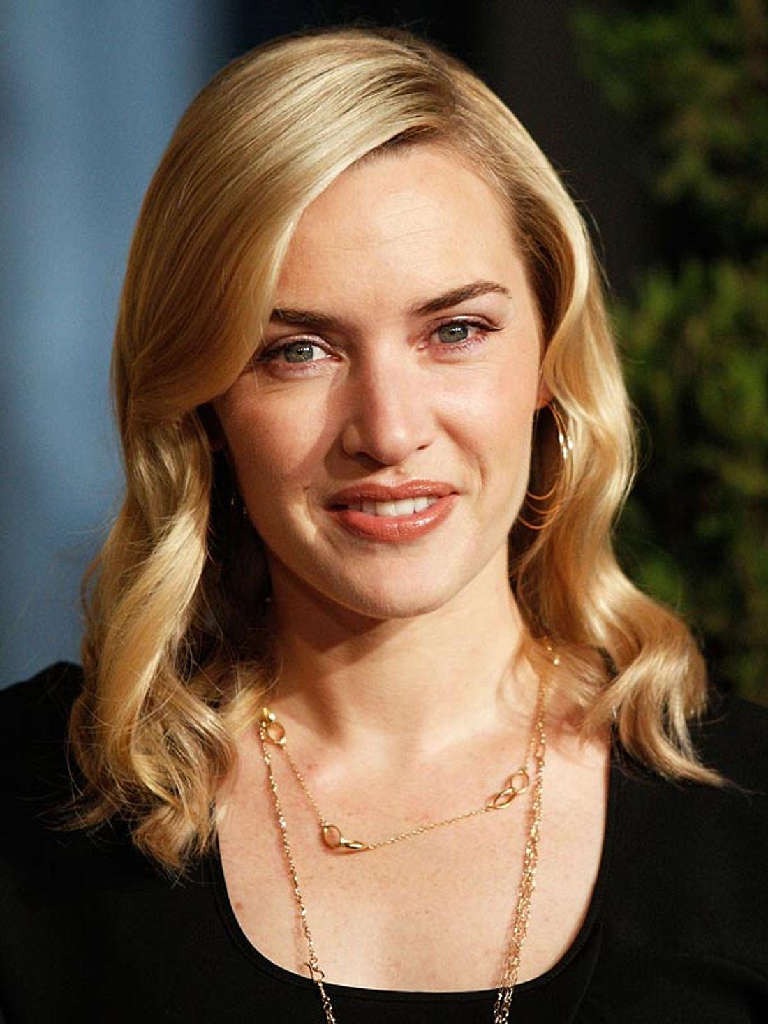 Top 10 der Star-Frisuren bei GoogleDie elegante Frisur von Kate Winslet schaffte es dagegen nur auf Platz sieben. Dabei ist ihr Haar doch viel schöner als das von Rapper Soulja Boy. Wir verstehen die Google-Suche-Welt nicht!