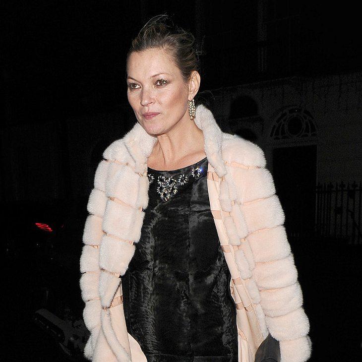 Kate Moss flüchtet vor Cara Delevingne und ihren Freundinnen