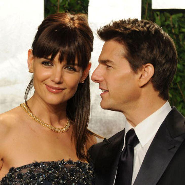 Promi-Paare und ihre Fake-BeziehungenAuch bei diesen beiden wurde viel spekuliert: Tom Cruise (49) und Katie Holmes (33) sind mittlerweile seit sechs ein Paar - und genauso lange gibt es Gerüchte darüber, ob sie nur eine Schein-Beziehung fü