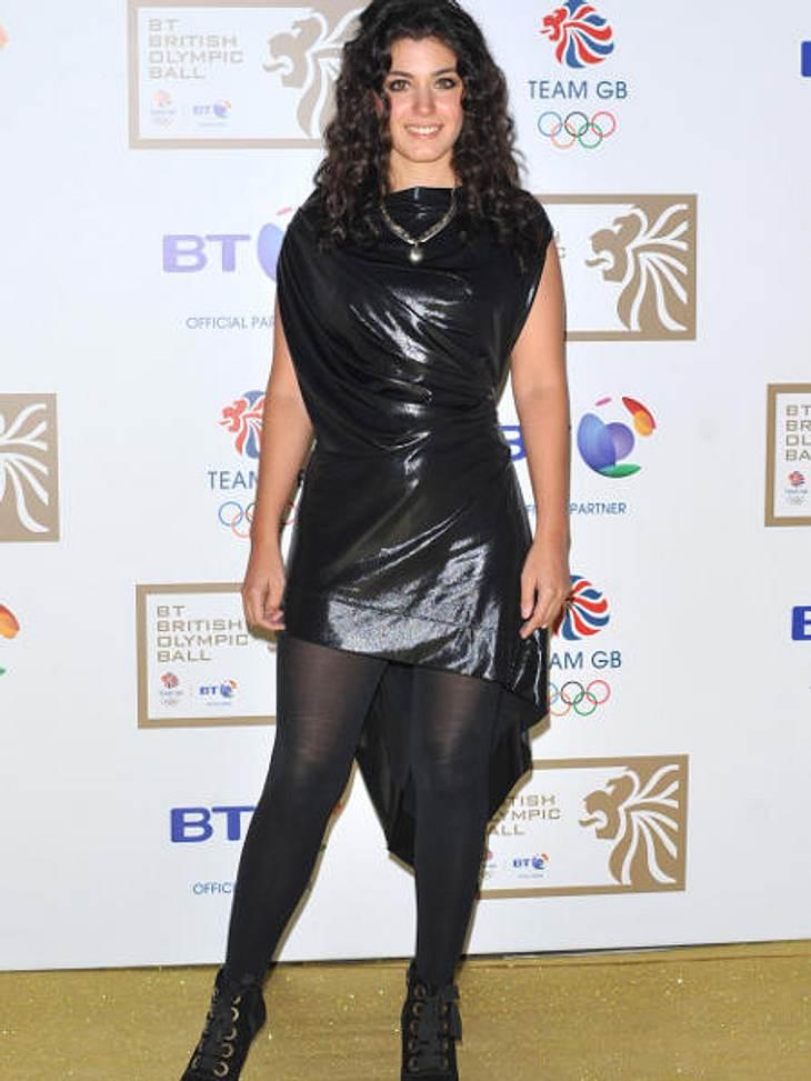 Star-Style: Die größten Fashion-Fiaskos im OktoberSängerin Katie Melua sieht dagegen aus, als hätte sie sich ein Stück schwarze Folie um den Leib gewickelt.