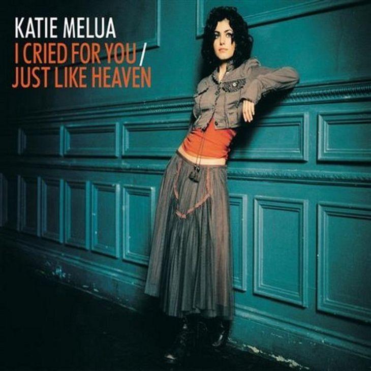 """Katie Melua- """"Just like Heaven"""",Das meint die WUNDERWEIB.de Redaktion: Bei dem sonnigen Frühlingswetter will man sich einfach entspannen und vor sich hin schon mal von dem bevorstehenden Sommer träumen. Genau deshalb passt auch Ka"""