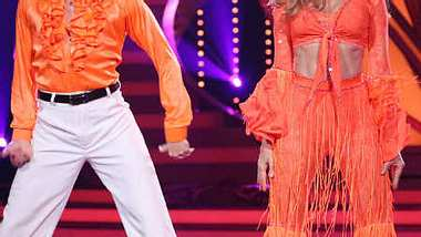 Katja Burkard ist top in Form. - Foto: RTL / Stefan Gregorowius