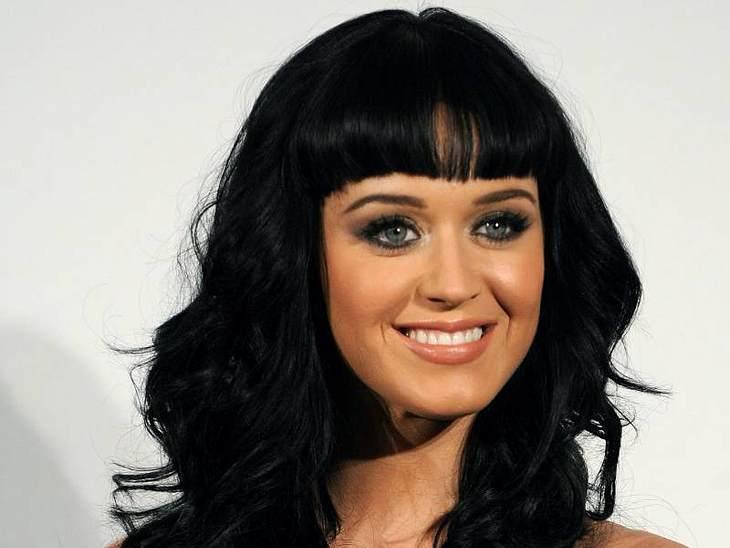 ",Erfolgreichste Debütsingle in den US-Digital-Charts: Katy Perry - ""I Kissed A Girl""Da haben gleich zwei Ohrwürmer die Digital-Charts gestürmt, beide von Sängerin Katy Perry: ""I Kissed A Girl"" und ""Hot 'N' Cold"""