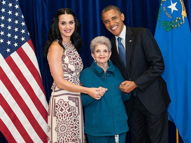 Katy Perry mit ihrer Oma und Präsident Barack Obama