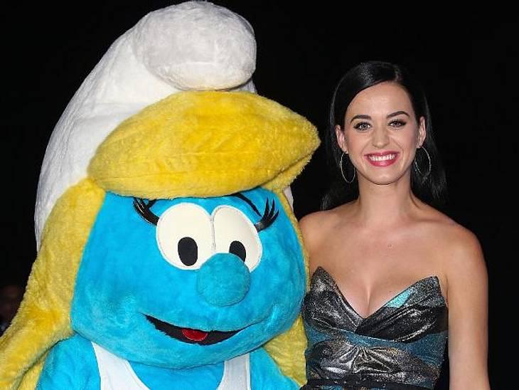 Tauscht sie jetzt Hollywood gegen Schlumpfhausen? Katy Perry (28) hat eine offenbar eine neue beste Freundin und hängt jetzt am liebsten mit Schlumpfine rum...