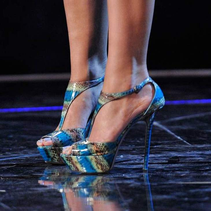 Diese coolen Plateau-Schuhe gehören einer sehr extravaganten Sängerin ...