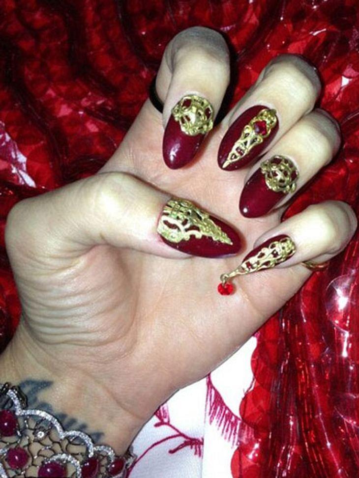Katy Perrys crazy Nails.