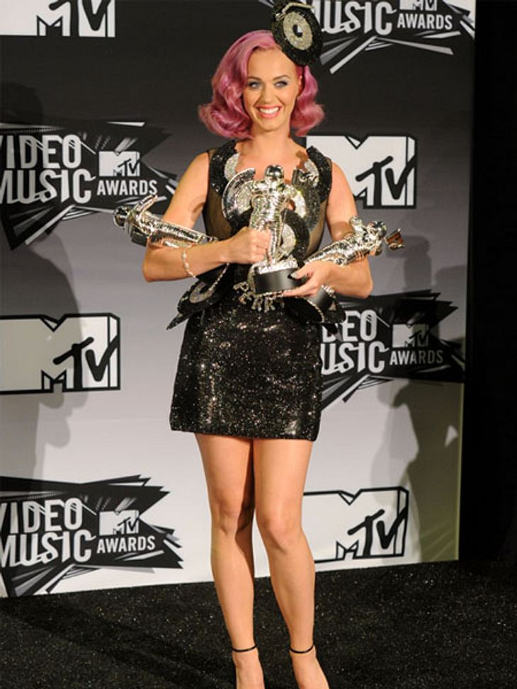 http://intouch.wunderweib.de/assets/intouch/media/redaktionell/wunderweib/intouch_2/stars/specials/2011_8/events/vma/katy-perry-vma-h.jpg