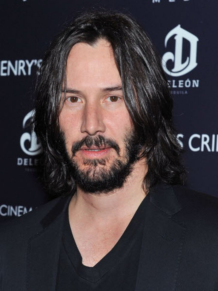 Der kleine Mann ist Keanu Reeves (50).