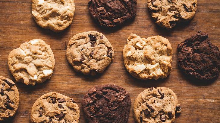 Teenagerin backt Kekse aus der Asche ihres Opas