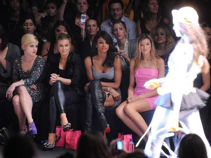 Wieder einmal ist eine Fashion Week in New York zuende gegangen. Eine Woche voller toller Mode, eleganten Models und vielen Stars. Hier konnten wir einen Eindruck erhaschen, was im nächsten Frühjahr total angesagt sein wird. In der Front Ro