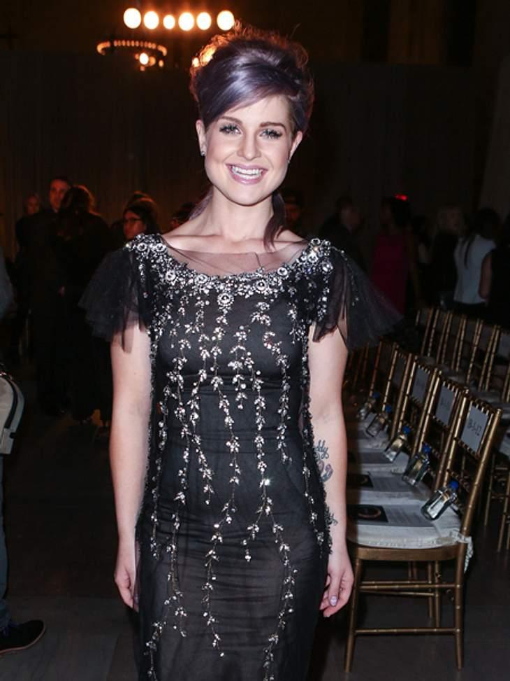 Star-Auflauf bei der New York Fashion WeekIm schicken schwarzen Funkelkleid: Kelly Osbourne (27) vor der Marchesa-Show.