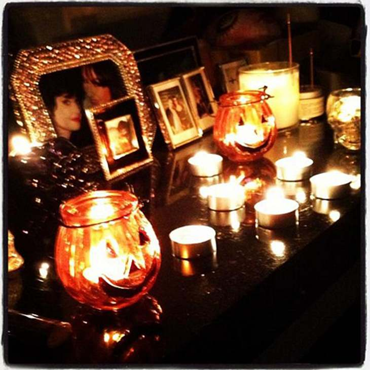 Schaurig schön: Stars im Halloween-WahnBei Kelly Osbourne (27) geht es gesitteter zu: Ein paar Kürbis-Teelichter sorgen zwar nicht für gruselige dafür aber heimelige Stimmung.