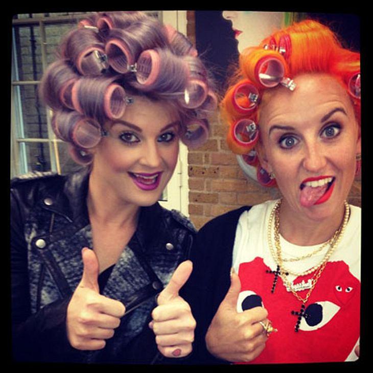 Die besten Twitter-Bilder der Stars im SeptemberLass Locken! Kelly Osbourne (27) rührte die Werbetrommel für ihren Lieblings-Friseursalon und hatte sichtlich Spaß dabei.