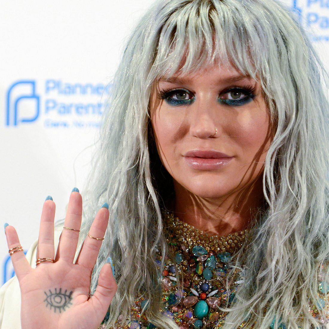 Kesha lässt die Klage gegen Dr. Luke fallen