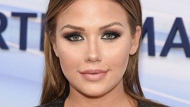 Kim Gloss hat neue Augenbrauen - Foto: WENN.com