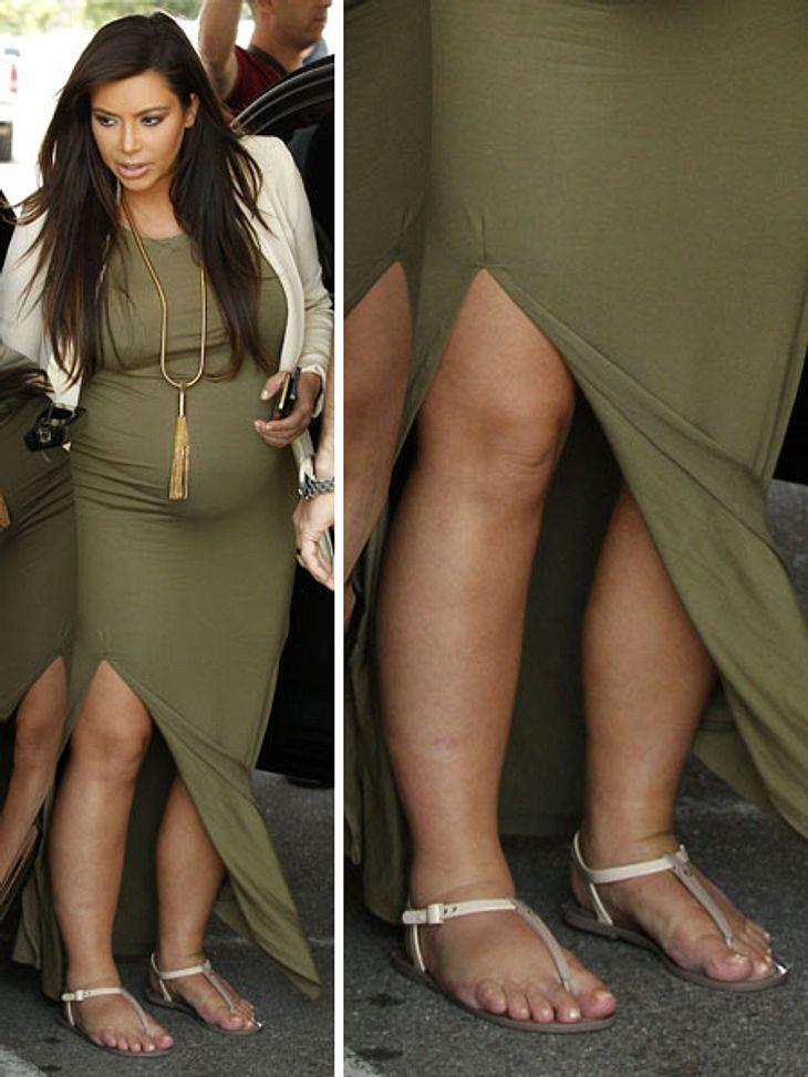Kim Kardashian gönnt ihren geschwollenen Füßen in bequemen eine Auszeit.