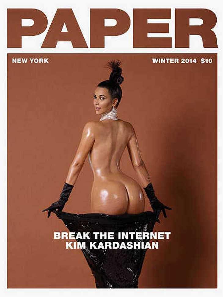 Kim Kardashian präsentiert ihren Hintern.