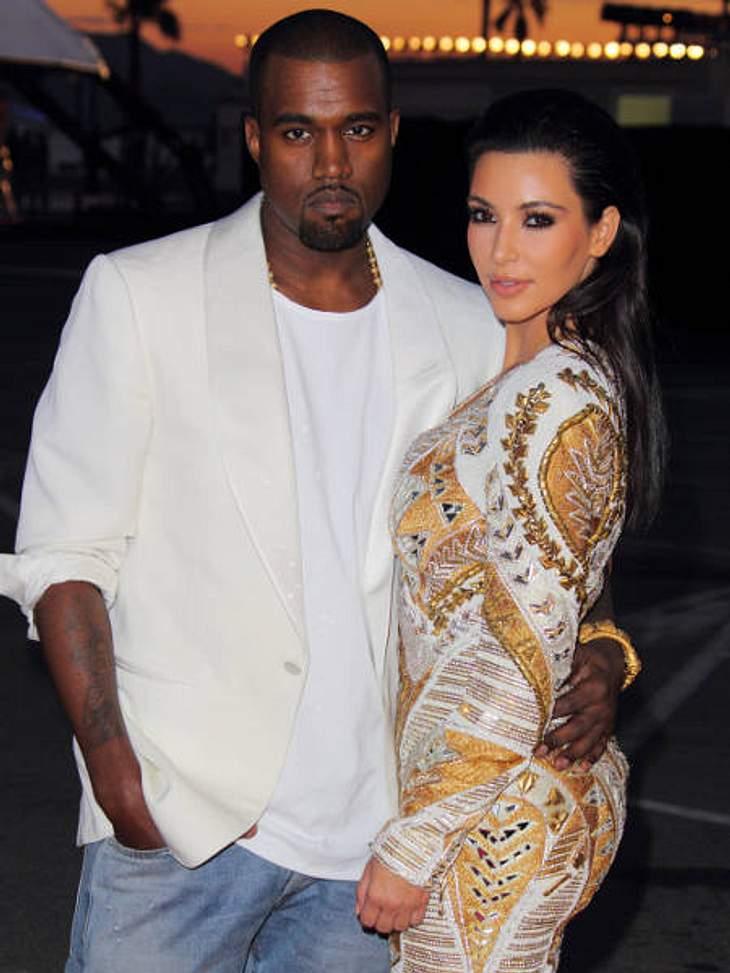Promi-Paare und ihre Fake-BeziehungenKim Kardashian (31) wird ja seit jeher eine ziemliche - pardon - Mediengeilheit vorgeworfen. Deshalb wird dem Reality-Show-Star jetzt auch unterstellt, ihre Beziehung mit Kanye West (34) sei ein abgekart