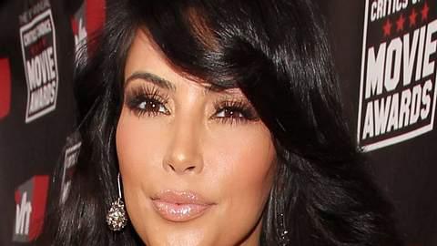 Lippen aufspritzen: Star-Schnuten vom Schönheits-DocRichtig schön sehen die gepimpten Lippen von  Kim Kardashian aus. Die Adresse ihres Arztes sollten sich ein paar Kolleginnen mal geben lassen. - Foto: GettyImages