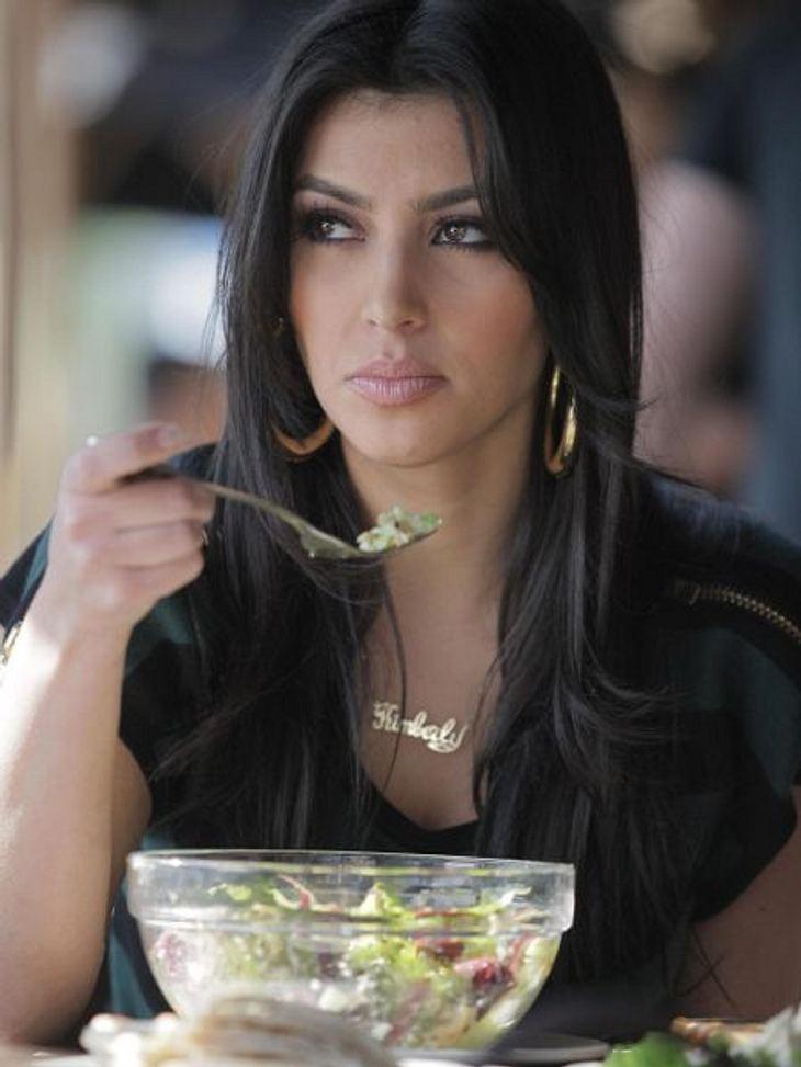 Kim Kardashian - Die größte Lügnerin HollywoodsWahrheit - Meistens sieht man Kim jedoch im Salat herumstochern.