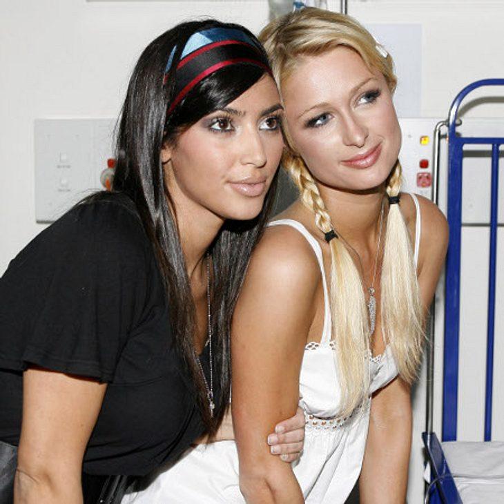 Die Läster-Attacken der StarsWie süß die beiden noch vor ein paar Jahren zusammen waren! Solche Bilder wird es so schnell wohl nicht mehr geben von Paris Hilton (31) und Kim Kardashian (31).Paris ist nämlich stocksauer darüber, dass ihre eh