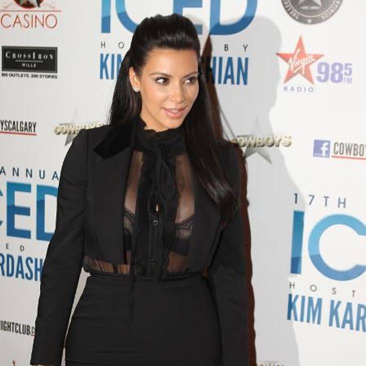 Kim Kardashian behandelt ihre Schuppenflechte mit Muttermilch