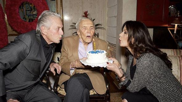 So feierte die Hollywood-Legende den 99. Geburtstag