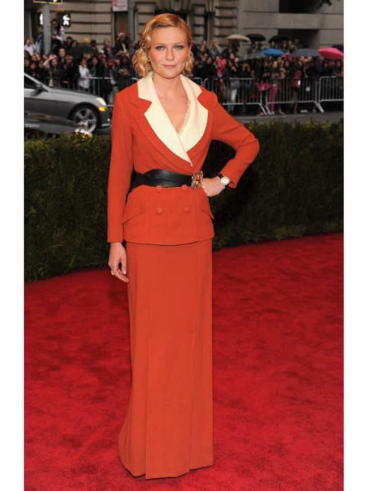 Met-Gala 2012: Die spektakulärsten Kleider des AbendsIn diesem Gouvernanten-Look von Rodarte wirkte Schauspielerin Kirsten Dunst (30) leider etwas altbacken.