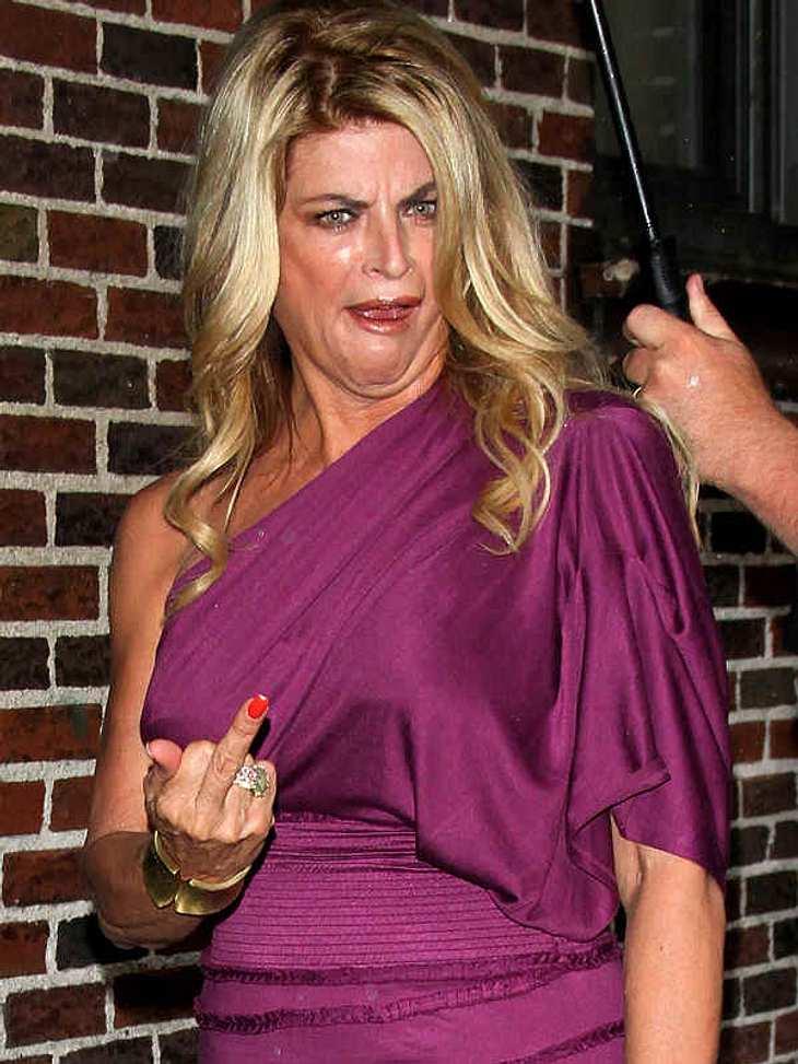 Ups, peinliche StarsKirstie Alley ist nicht die Frau für große Worte. Sie zeigt, was sie von der Situation hält - dazu gibt es noch einen äußerst dümmlichen Gesichtsausdruck.