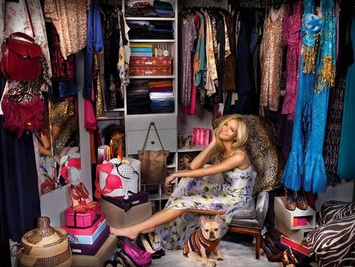 """Zugegeben! Wir sind neidisch! Die Schatzkammern von Erin, Mariah & Co. quellen vor modischen Must-haves und witzigen Accessoires über.Erin Heatherton (24)""""Wenn ich nicht arbeite, dann trage ich bequeme und lässige Kleidung"""", e"""